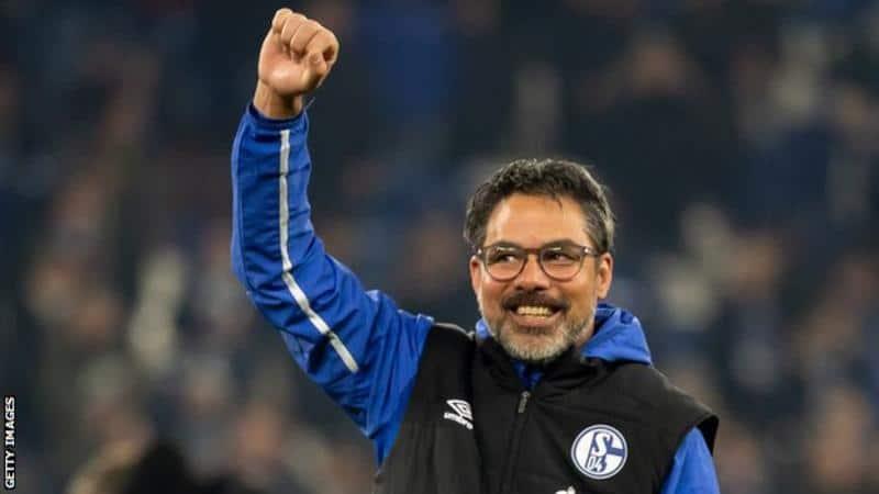 Schalke Menyangkal Posisi Teratas Monchengladbach